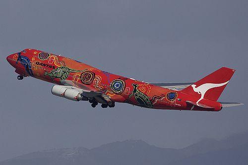 QANTAS Airways VH-OEJ Boeing 747-438(ER) 32914 YVR Vancouver Airport 2009 Wunala Dreaming c/s