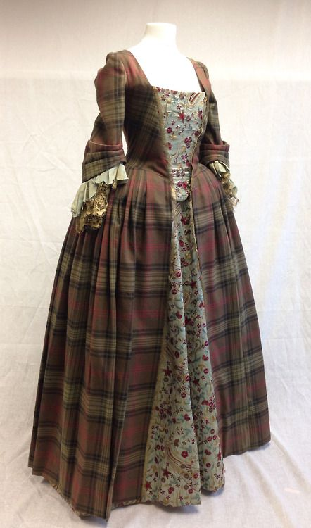 Costume designed by Terry Dresbach for Caitriona Balfe as Claire Beauchamp on Outlander (2014-)  From Terry Dresbach's Blog