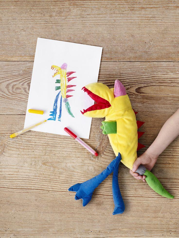 SAGOSKATT monster | #IKEA #IKEAnl #Kerst #SoftToys #droomknuffel #tekening #fantasie #handpop #poppenkast