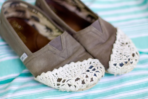 crochet toms refashion - cover up a hole in the toe, mama loves papa 03.23.12