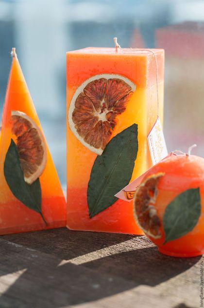 Купить или заказать Набор свечей 'Сочный апельсин' в интернет-магазине на Ярмарке Мастеров. Яркие свечи с ненавязчивым сладким запахом. Можно приобрести как комплект, либо по отдельности. Прямоугольная - 500р, пирамида - 300р, шар - 300р.