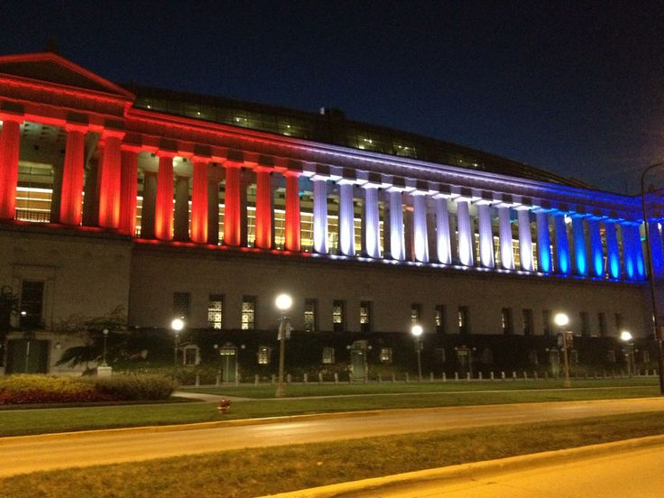 Soldier Field- Customize Colonnades by uplighting Columns for your event!