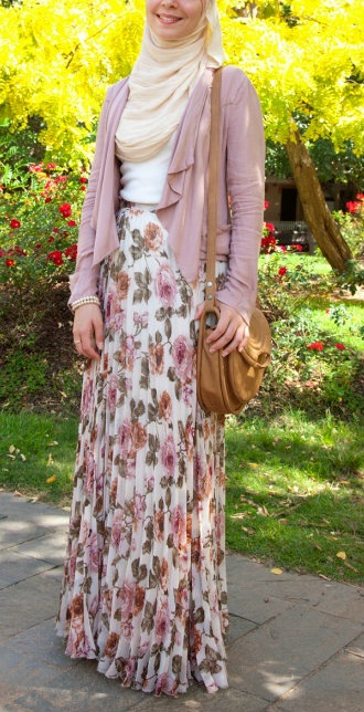 I love floral clothing, and i love this floral skirt. Its so nice :)