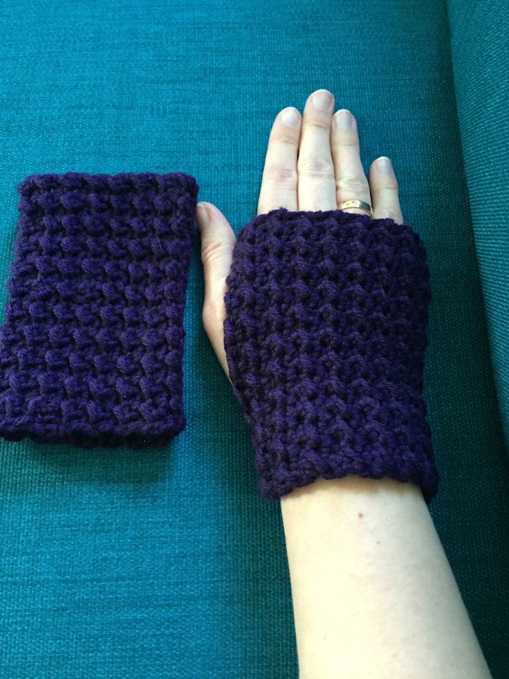 Moss Stitch Fingerless Mittens  Free Pattern and tutorial on YouTube by Stitch Stitch Boom