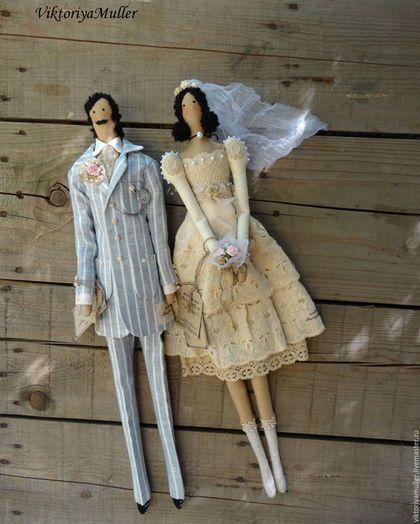 Купить или заказать куклы тильда ручной работы ВИНТАЖНАЯ СВАДЬБА повтор в интернет-магазине на Ярмарке Мастеров. Жених и невеста в винтажном стиле. Подарок на свадьбу или на годовщину свадьбы. На спине у куколок пришиты петельки для подвешивания. Цена указана за одну пару.