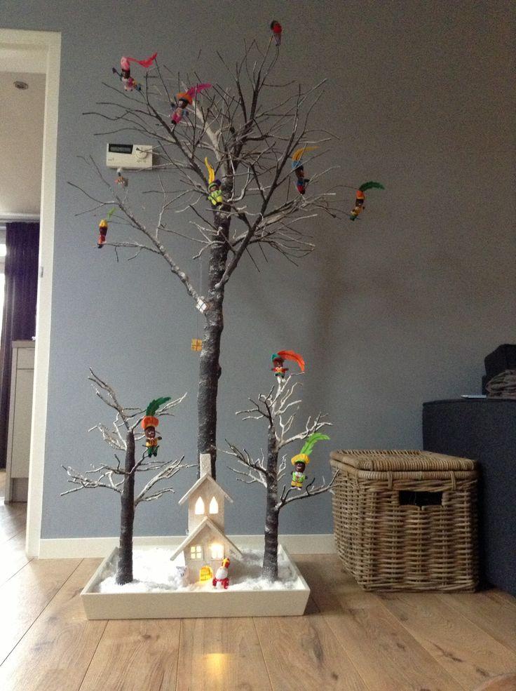 2 in 1. Eerst een sinterklaasboom daarna de kerstboom.