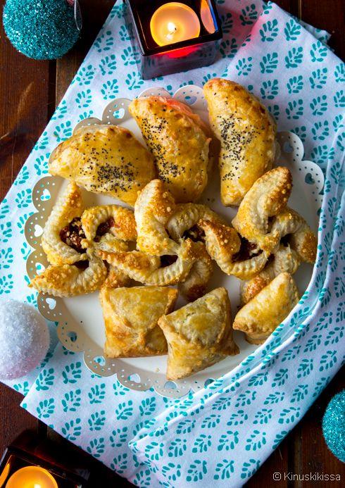 Pasteijat ovat perinteisiä ja kohtuullisella vaivalla valmistuvia leivonnaisia, jotka sopivat hyvin pikkujoulupöytään. Tässä ideoita, mihin muotoon taikinaa voi taivutella sekä kolme eri täytettä (liha-kasvis-kala). Suolaisen joulutortun mallin minulle esitteli siskoni viime vuonna. Hän oli napannut idean Pirkka-lehdestä. Suolaisessa joulutortussa pisteenä i:n päällä on juustoraaste, joka antaa makua myös tortun kärkiosiin. Näiden kolmen täytereseptin lisäksi blogista […]
