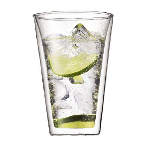 """Bodums PAVINA dobbeltvæggede glas holder varme drikke varme uden at du brænder dine fingre når du skal nyde dem. Samtidig holder den kolde drikke kolde, så det er et """"universal"""" glas, som du kan bruge til det meste! Så du behøver kun 1 slags glas i dit hjem! Samtidig er dette glas også ideel til portionsanretninger i form af is, creme brulee, supper m.m. Alt i alt et super glas, som kan bruges til rigtig mange forskellige ting."""