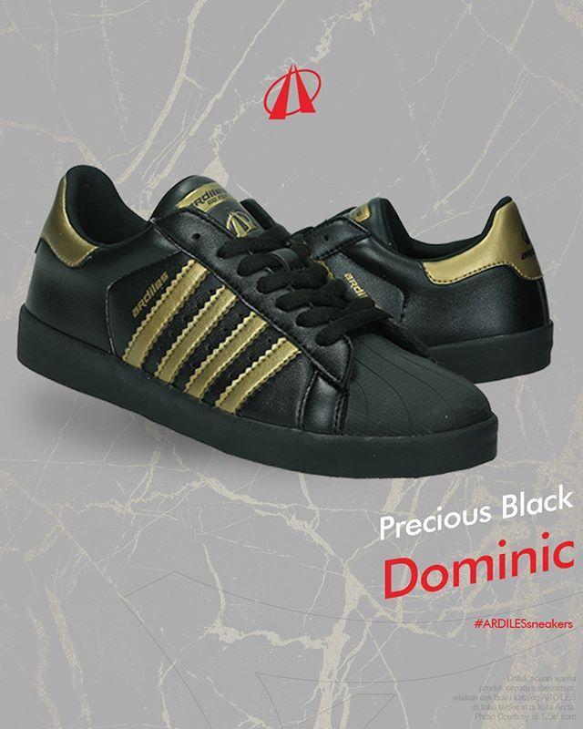 Precious Black  Ardiles Sneakers Lovers, Dominic Black Gold adalah manifestasi sentuhan magis! Warna sneakers Dominic yang dominan hitam kelam dengan aksen emas yang berkilau saat diterpa cahaya membuat kamu menjadi makin percaya diri. Berkat sol dari lateks organik dan lapisan atas yang adaptif, Oldham Black Gold akan jadi teman karibmu dalam setiap kesempatan. Cek selengkapnya di www.ardilesmetro.com dan segera dapatkan Dominic Black Gold di toko sepatu terdekat!  #ardiles #ardilessneakers…