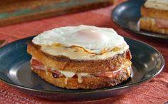 croque madame léger Weight Watchers, recette d'un délicieux sandwich avec un œuf, parfait pour un dîner improvisé accompagné d'une bonne salade.