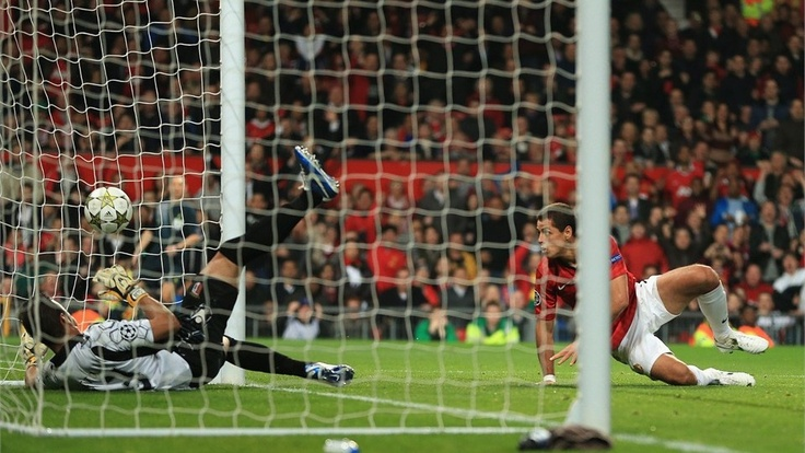 Javier Hernandez of Manchester United scores his team's first goal to make the score 1-2 during the UEFA Champions League Group H match between Manchester United and SC Braga at Old Trafford