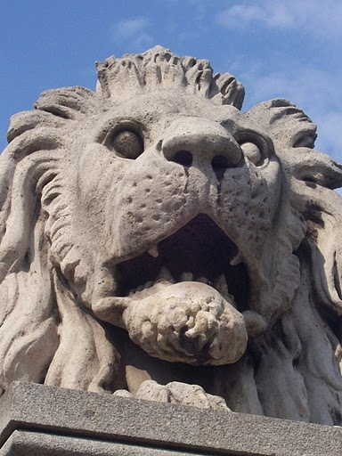 Lions without tongues