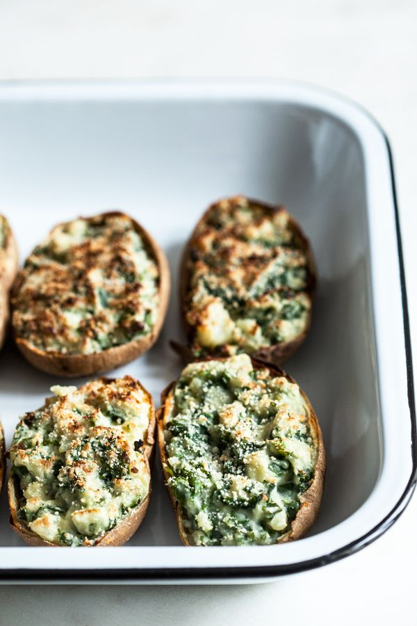 Fully Loaded Garlic Kale Potatoes | The Full Helping