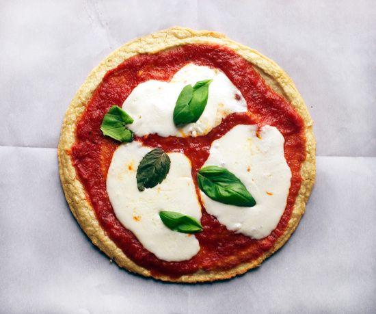 quinoa pizza crust// double-thyme.com