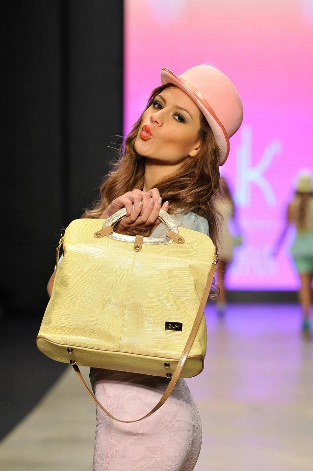 Yellow Bag! By SIUK! <3.
