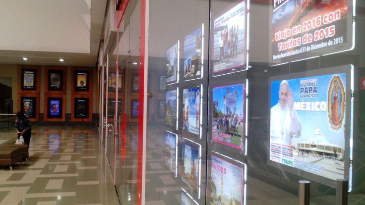 OIT Aviatur en su nuevo local en Pereira ubicado en el centro comercial Unicentro sigue con éxito adelante de su competencia por el uso de los portacarteles luminosos LED. Visite la página de NegoLuz para ver los modelos y tamaños de esas nuevas cajas de luz LED del siglo 21! http://www.NegoLuz.co