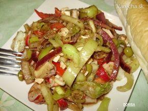 Grécky šalát šalát ľadový   červenéreďkovky  paprika zelená  cibuľa červená  olivy zelené   (feta)syr balkánsky  uhorka  paradajky  pór  korenie provensálske  soľ morská  ocot balzamikový  olej olivový   (všetky suroviny pola chuti a možností)korenie arabica