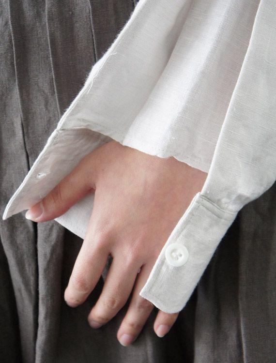linen poets blouse part 2 sleeve detail Est-ce que la manche serait plus facile à repasser. Je trouve intéressant de pouvoir garder le poignet ouvert sans qu'il soit découvert.