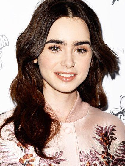 Monochromatischer Make-up Look mit zartem Apricot: Das sind die schönsten Styles von Lily Collins