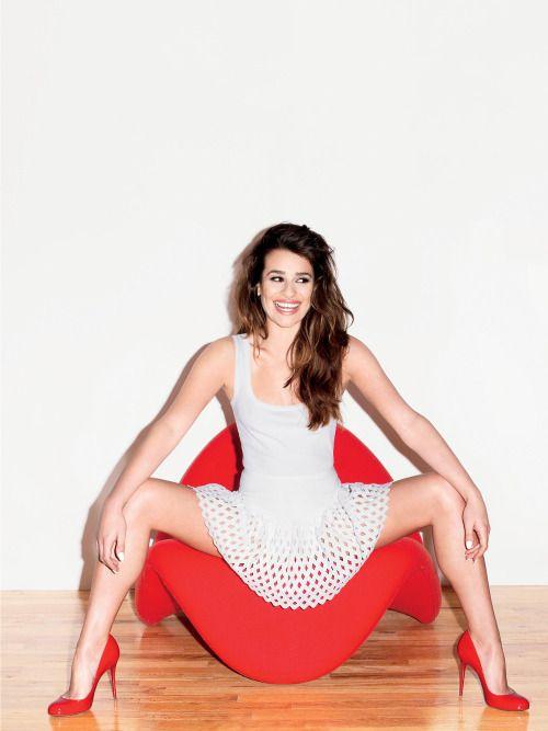 spreaded legs of sexy womens pics