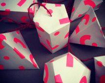 Neon roze 3d papier moderne geometrische decoraties, xmas decor, kamer decor, kinderdagverblijf inrichting. Gratis levering van de UK