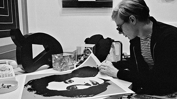 """""""Credo che avere la terra e non rovinarla sia la più bella forma d'arte che si possa desiderare.""""  Andy Warhol."""