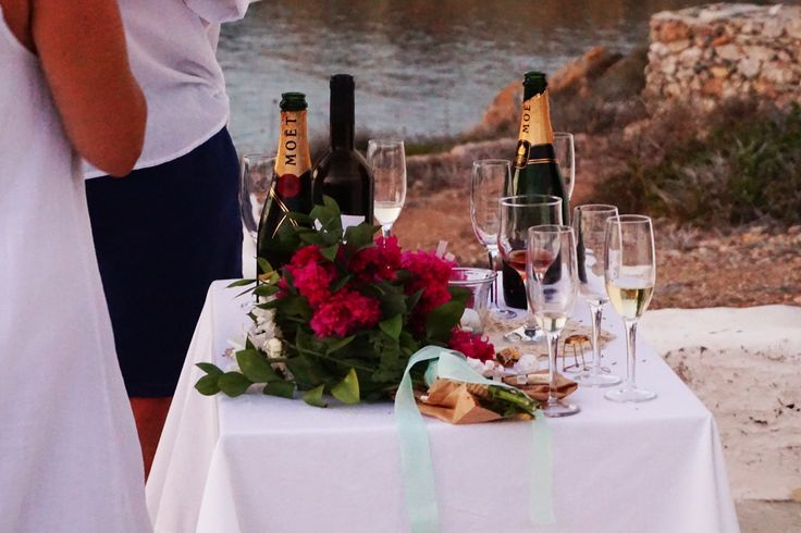 wedding boucamviglia wreath champagne antiparos island greece