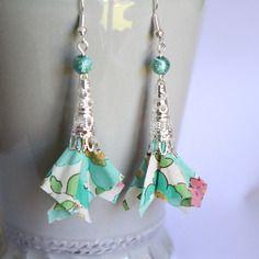 Boucles d'oreilles tissu liberty betsy vert - perle cône dentelle argenté - crochets hameçons