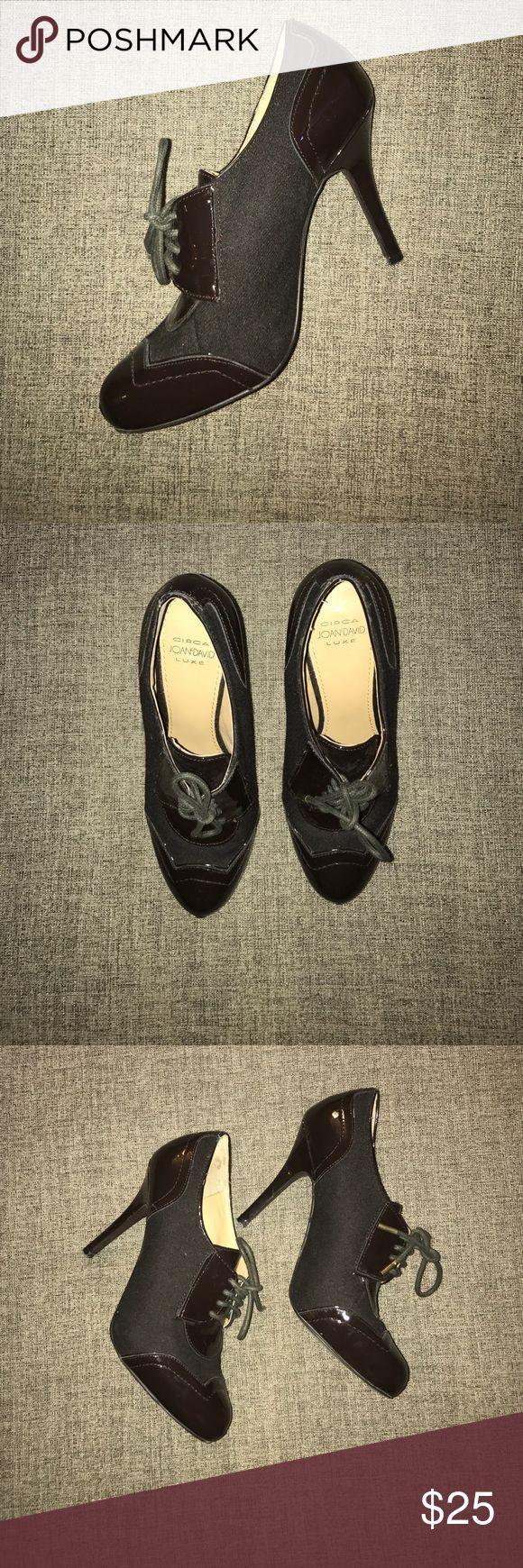 Joan & David sz 6 brown oxford Circa Joan & David Luxe sz 6 brown oxford. See pictures for wear. Joan & David Shoes Heels
