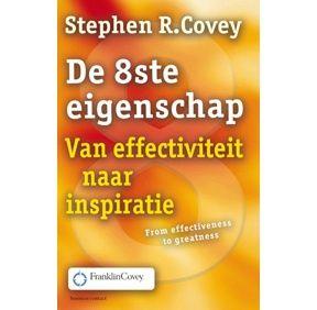 De 8ste eigenschap is een essentiële toevoeging aan de 7 eigenschappen. Voor  effectiviteit is meer en meer nodig om ook grootsheid ('greatness') te tonen. Na effectiviteit, het 'hoe'   gaat het nu om het aanboren van je verborgen potentieel, het 'waarom' van effectiviteit. De 8e eigenschap formuleert Covey als volgt: Ontdek je eigen stem, draag deze uit en help ook anderen hun eigen stem te ontdekken en uit te dragen. Dit maakt dat je het beste in jezelf naar boven haalt.
