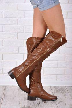 KOZAČKY NAD KOLENA , krajka-up, protiskluzové Dámské kozačky, design mušketýrských bot. Délka boty nad kolena. Zapínání na zip po celé délce boty - pohodlné a rychlé. Široký, plochý podpatek. Efektní zlatý zip ladí s jednolitým povrchem modelu. Velmi elegantní. https://cosmopolitus.eu/product-cze-41911-KOZACKY-NAD-KOLENA-krajka-up-protiskluzove.html #Kozacky #stylove #zeny #levne #modní #robustní #promotions