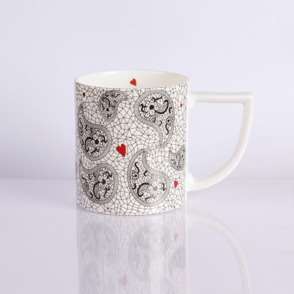 Intricate Paisley Design by Paul Bishop. The New English Mug Shape. Made in Stoke-on-Trent, England. #TheNewEnglish #Ceramics #Mug #Paisley #Hearts #MothersDay #Gift #GiftInspiration