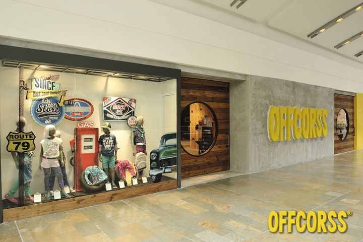 OFFCORSS store by OFFCORSS & Plasma, Medellín   Colombia store design