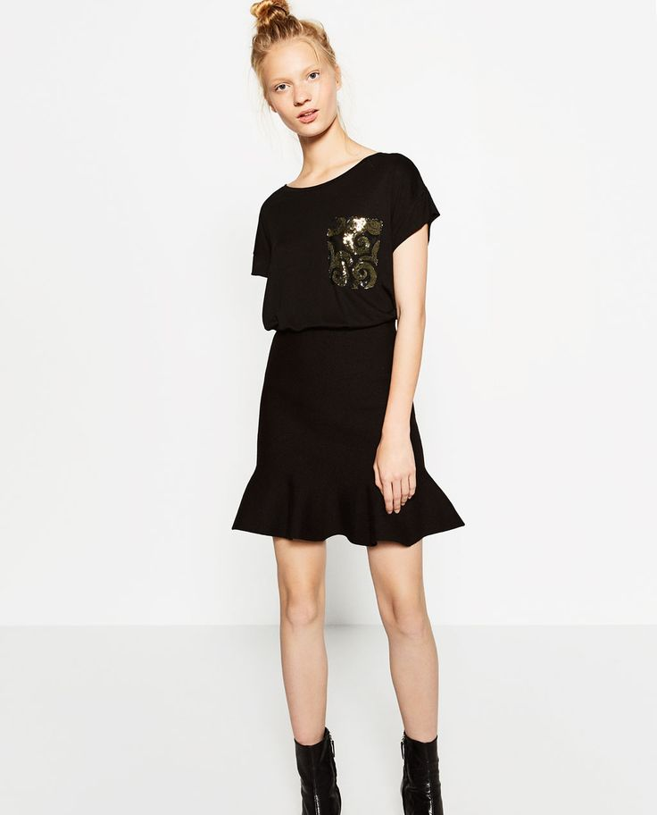 Image 1 of T-SHIRT WITH SEQUIN POCKET from Zara
