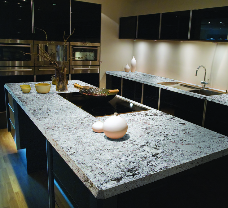 Ein neuer Trend im Küchendesign sind Arbeitsplatten aus Schiefer ...