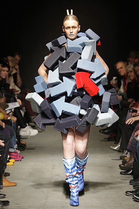"""I'm With Stupid"" - Inspired Fashion Collection this made me laugh xD ---> follow stephany medina"