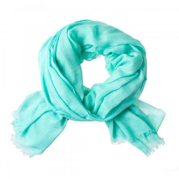 azuurblauw staat prachtig bij zilver en goud. Combineer deze sjaal bijvoorbeeld eens met een top met zilveren of gouden pailletten.