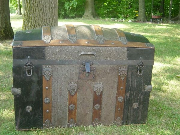 17 Best images about Inside An Old Trunk on Pinterest
