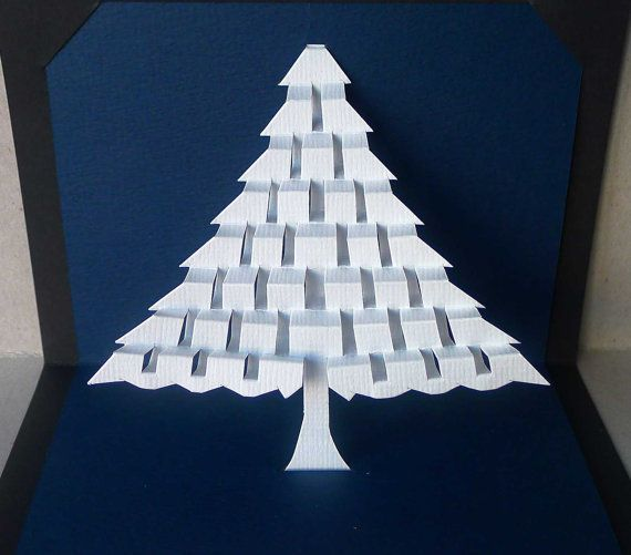 Carte de sapin de Noël nuit silencieuse : sculpture de papier kirigami