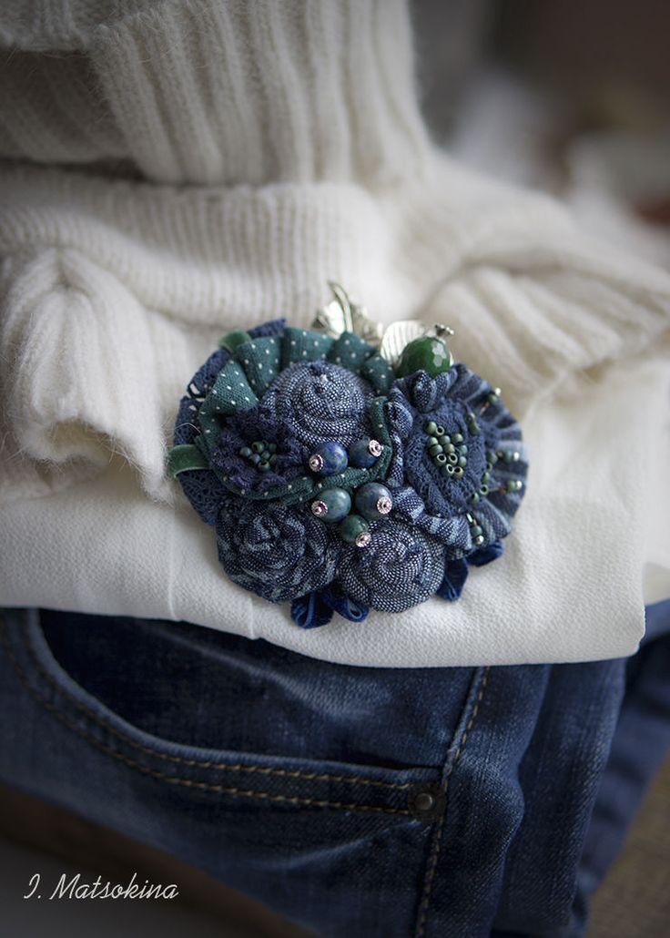 Купить Брошь Джинсовая Симфония - синий, зеленый, брошь, брошь ручной работы, брошь цветок