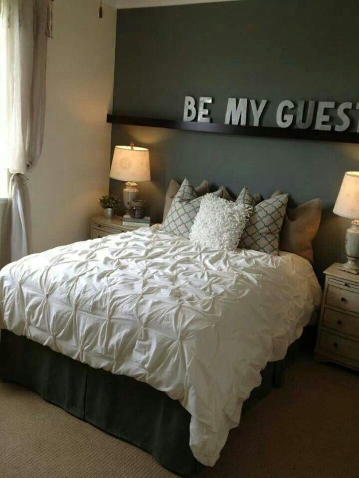 Logeerkamer ideetje voor boven het bed