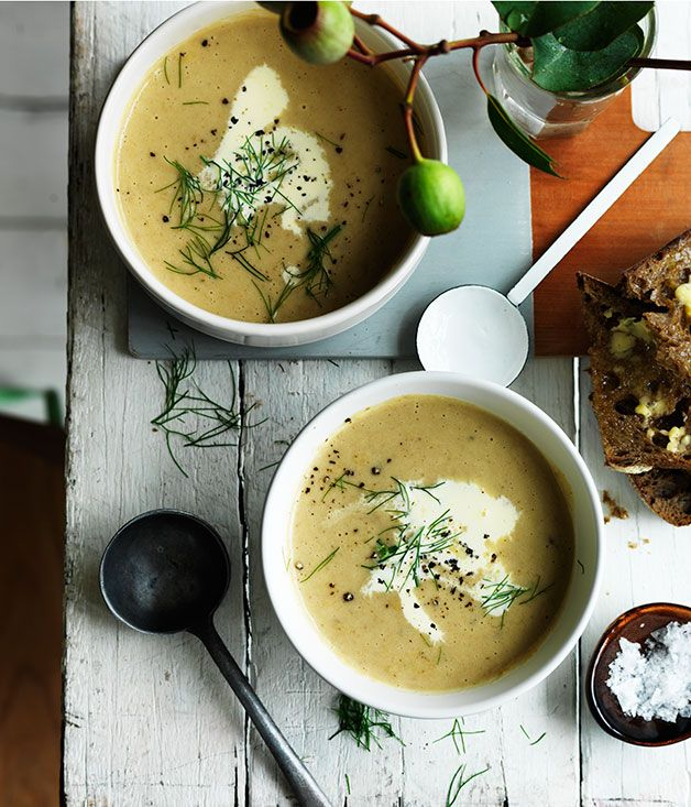 Fast recipe for cream of fennel and potato soup.