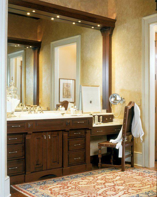 Traditional Bathroom Makeup Vanity Set Deisgn