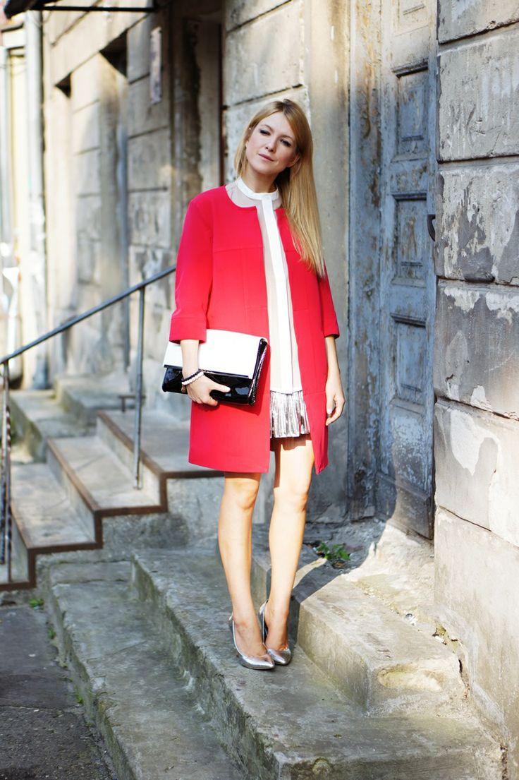 Miss Ferreira w naszym żakiecie i koszuli !  żakiet->http://www.sklep.nife.pl/p,nife-odziez-przedluzany-zakiet-kate-rozowy,38,532.html koszula->http://www.sklep.nife.pl/p,nife-odziez-bluzka-b24-roz,23,555.html