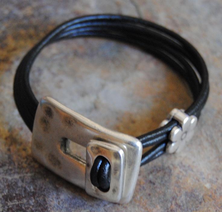 Leather and zamak bracelet