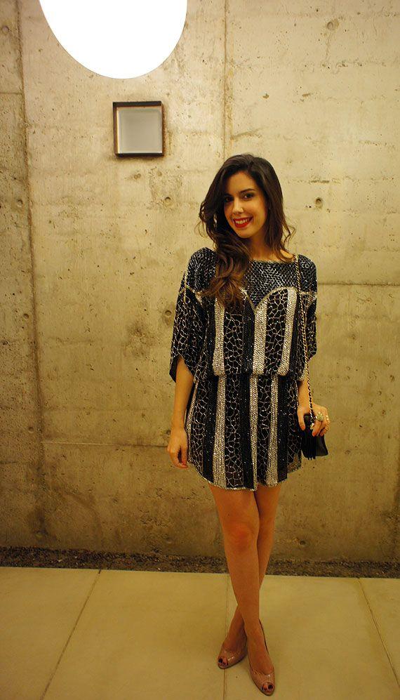 Vestido soltinho, com mangas. Camila Coutinho - dez/2011