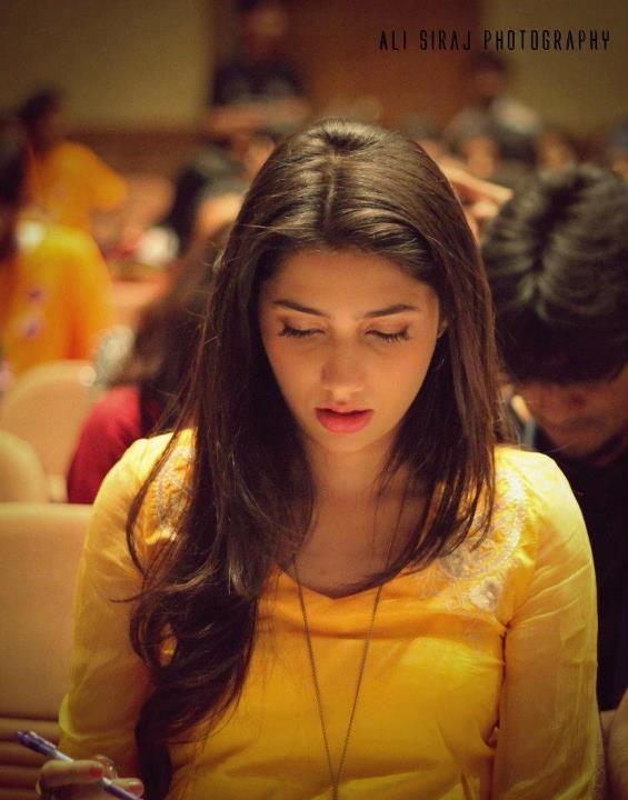 Mahira Khan, Pakistani model & TV actress, love the yellow