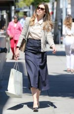 Jessica Biel was spotted on a shopping outing in the posh Beverly Hills http://celebs-life.com/jessica-biel-spotted-shopping-outing-posh-beverly-hills/  #jessicabiel