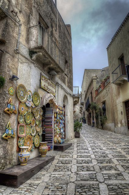 Erice, Sicilia. One of my favorite Cities to visit in Sicily.  Love Erice!!