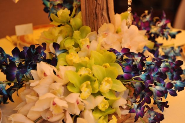 Blue, Green and white cymbidium orchids photo Andrea and Marcus | event design StellaAndMoscha